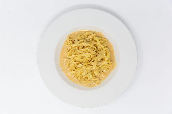Fin & Fern pasta with alfredo